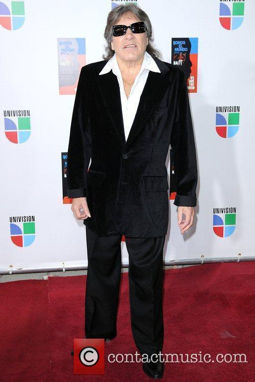 Latin artists appear to record 'Somos to El...