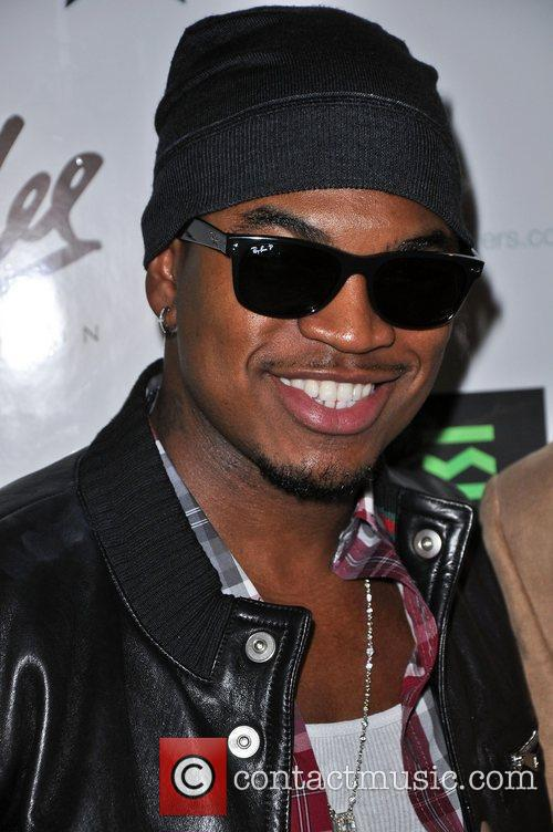 Ne-yo and Stan Lee 7