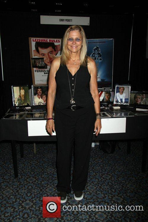 Cindy Pickett, Las Vegas and Star Trek 2