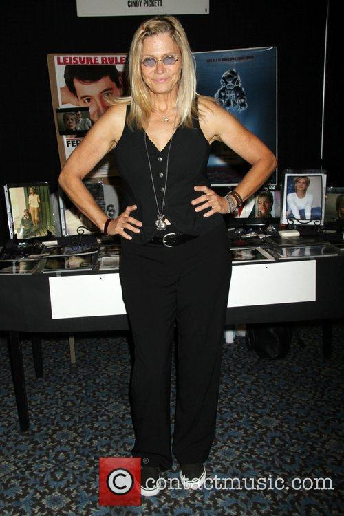 Cindy Pickett, Las Vegas and Star Trek 3