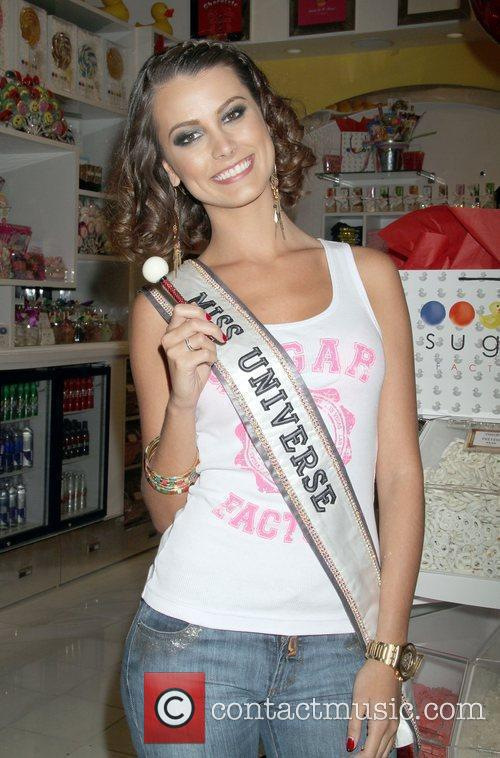 Stefania Fernandez and Las Vegas 4