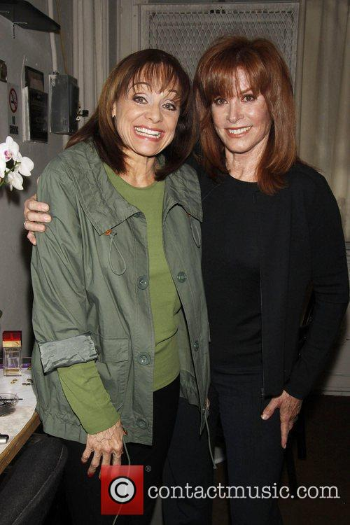 Valerie Harper and Stefanie Powers 1