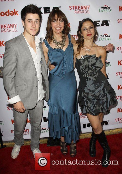 David Henrie, Illeana Douglas and Justine Bateman 9