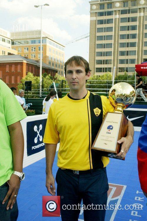 Help USA hold the 2010 Street Soccer USA...