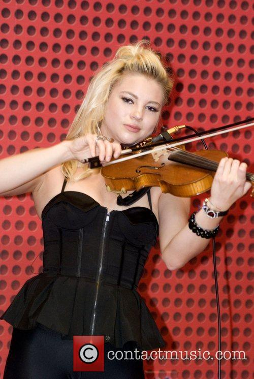 Allie Gonino The Stunners perform at 103.5 KISS...