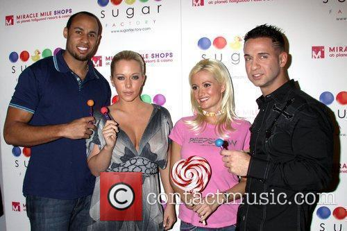 Hank Baskett, Holly Madison and Kendra Wilkinson 2