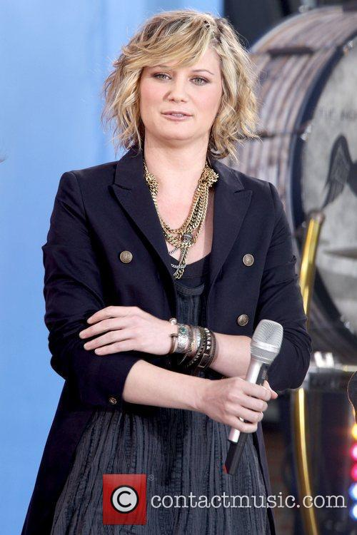 Jennifer Nettles Sugarland performing live on 'Good Morning...