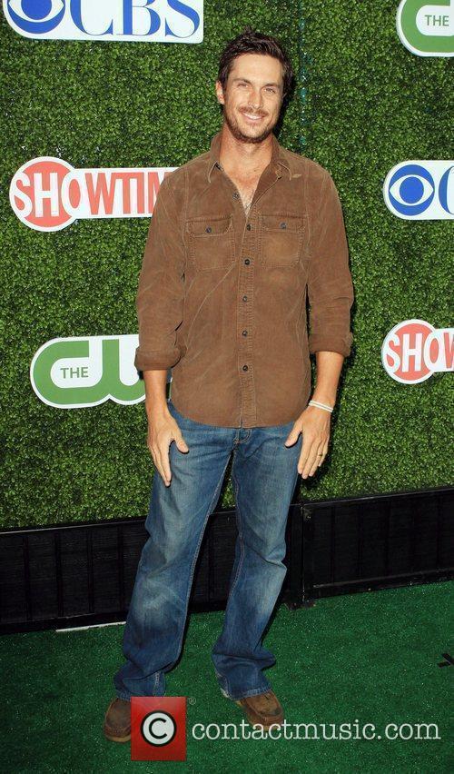 Oliver Hudson  2010 CBS, CW, Showtime summer...
