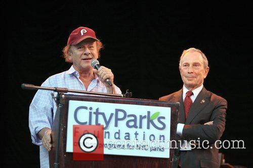 Art Garfunkel and Mayor Michael Bloomberg 2