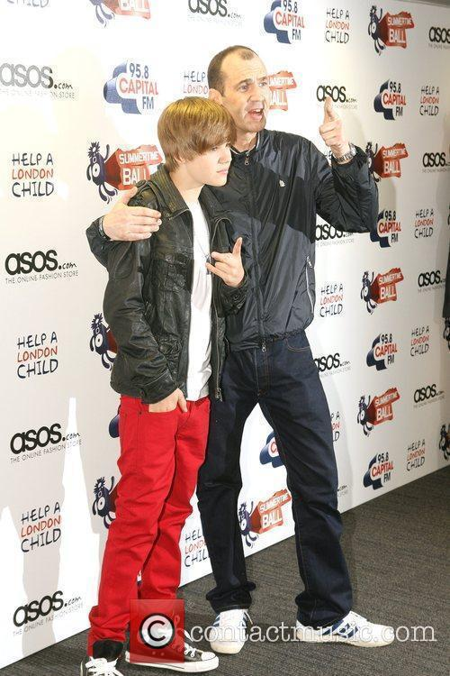 Justin Bieber and Johnny Vaughn