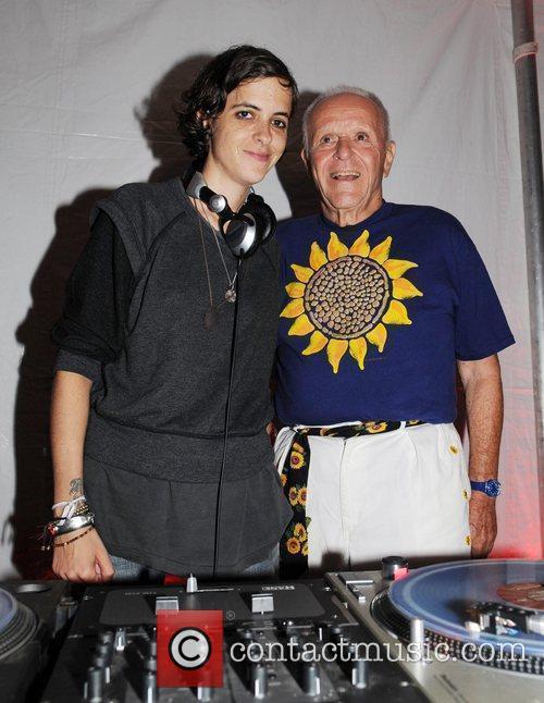 Samantha Ronson and Henry Buhl ACE's Brazilian Sunflowers...