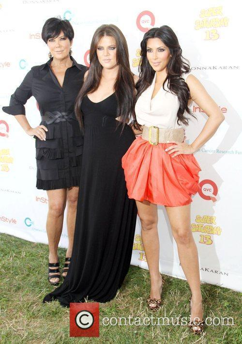 Kim Kardashian and Khloe Kardashian 4