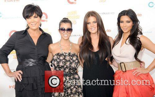 Kim Kardashian, Khloe Kardashian and Kourtney Kardashian 11