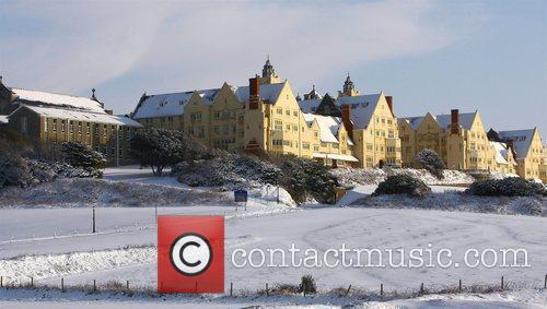 Snow settles around Roedean School