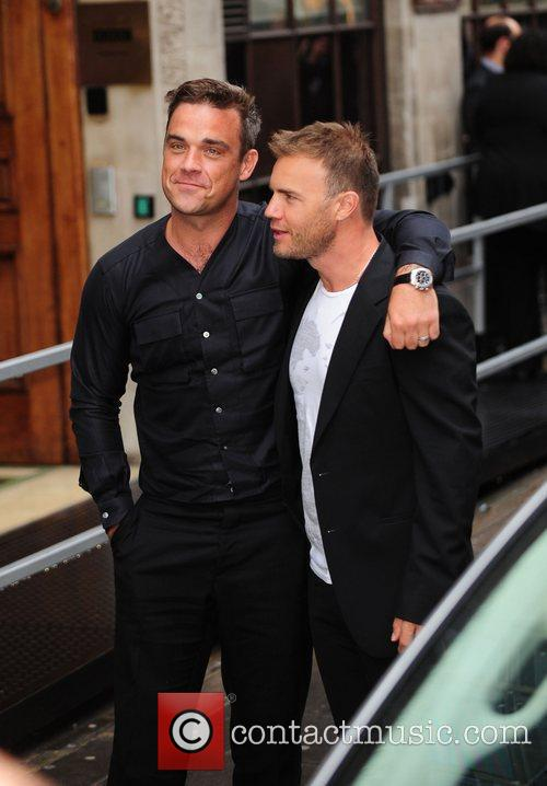 Take That, Chris Moyles, Gary Barlow and Robbie Williams 4