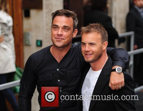 Take That, Chris Moyles, Gary Barlow and Robbie Williams 13