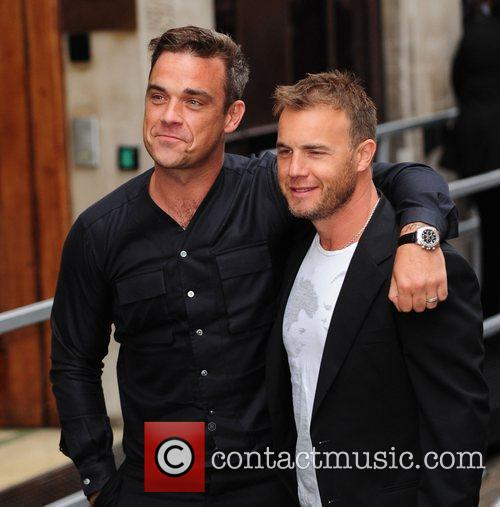 Take That, Chris Moyles, Gary Barlow and Robbie Williams 17