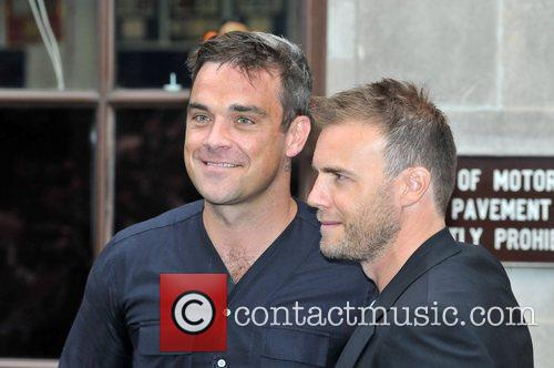 Take That, Chris Moyles, Gary Barlow and Robbie Williams 29
