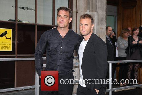 Take That, Chris Moyles, Gary Barlow and Robbie Williams 42