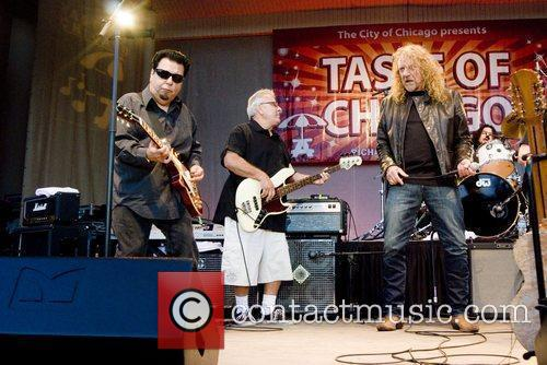 Robert Plant, Chicago and Los Lobos 11