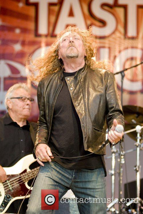 Robert Plant, Chicago and Los Lobos 1