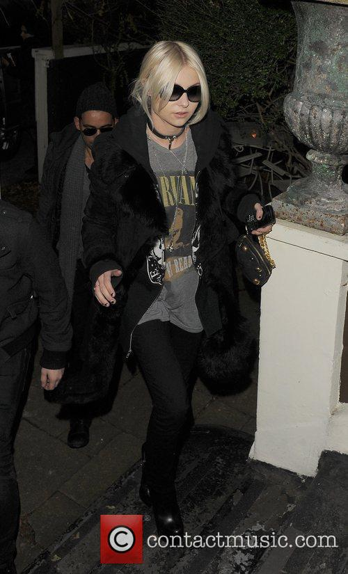 Taylor Momsen arriving at a photoshoot at a...