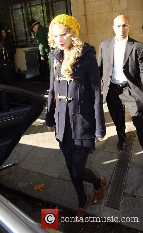 Taylor Swift, Leaves, Dorchester Hotel