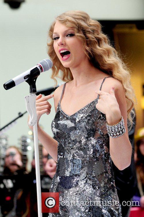 Taylor Swift 45