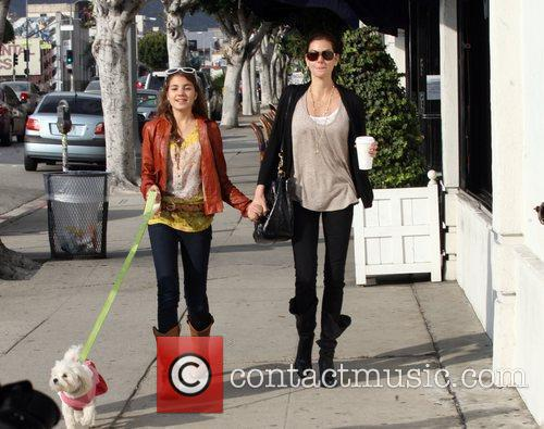 Teri Hatcher and daughter Emerson Rose 8