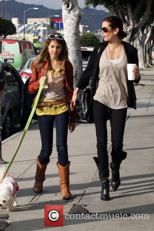 Teri Hatcher and Daughter Emerson Rose 11