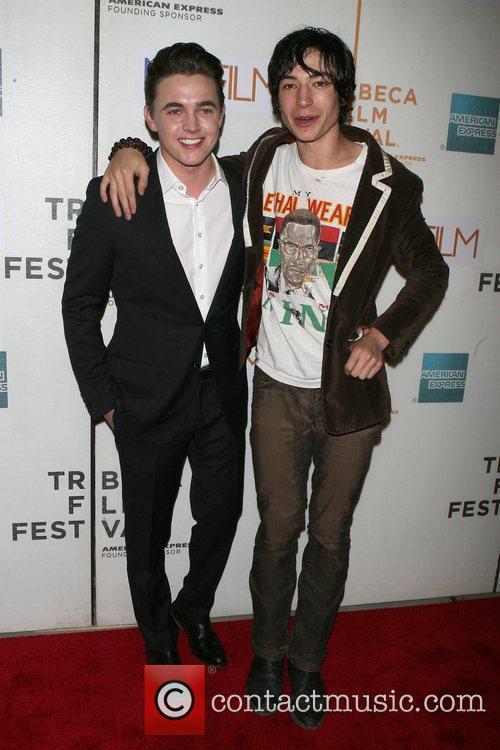Jesse Mccartney and Ezra Miller 5