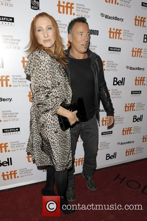 Patti Scialfa, Bruce Springsteen and The Edge 2