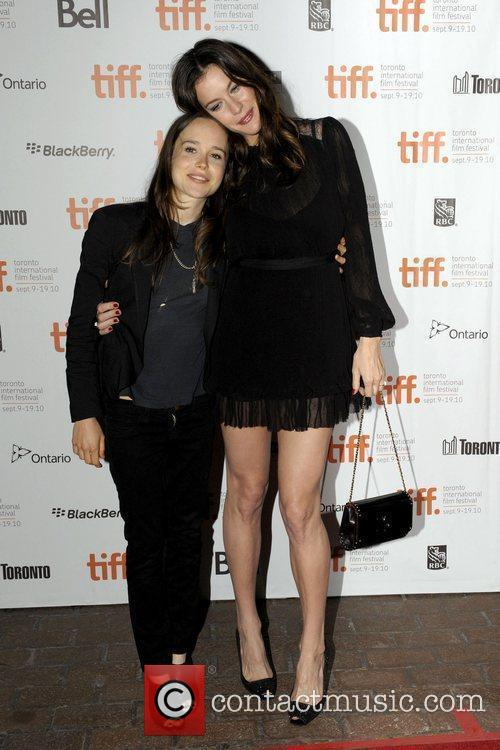 Ellen Page and Liv Tyler 6