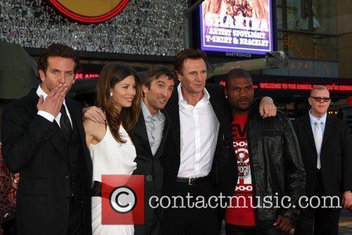 Bradley Cooper, Jessica Biel, Liam Neeson, Sharlto Copley,...