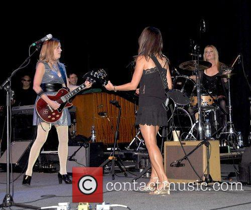 Susanna Hoffs and Bangles 3