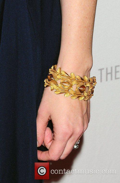 Laura Linney gold bracelet,  'The Big C'...