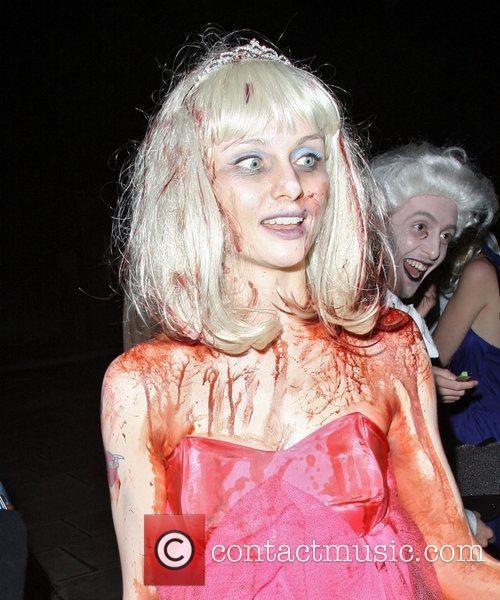 Sophie Ellis-Bextor and Fake Blood 3