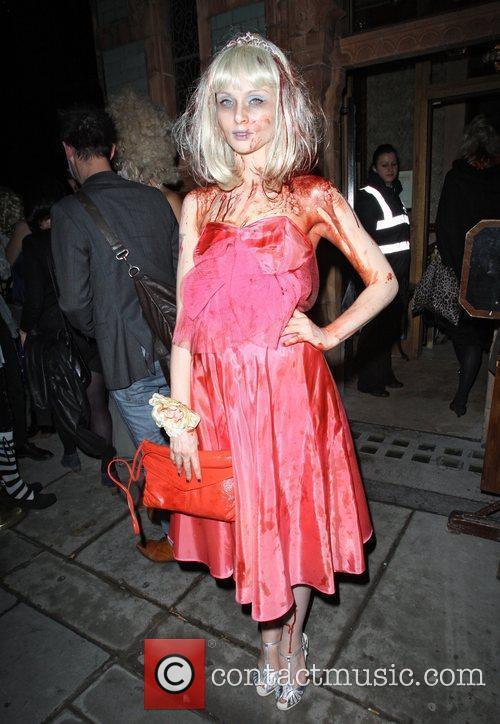 Sophie Ellis-Bextor and Fake Blood 4