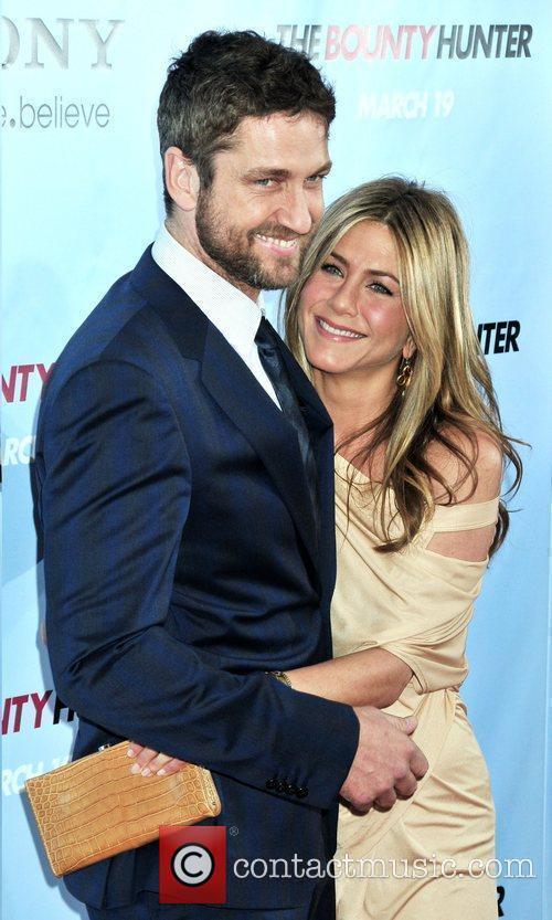 Gerard Butler and Jennifer Aniston 20