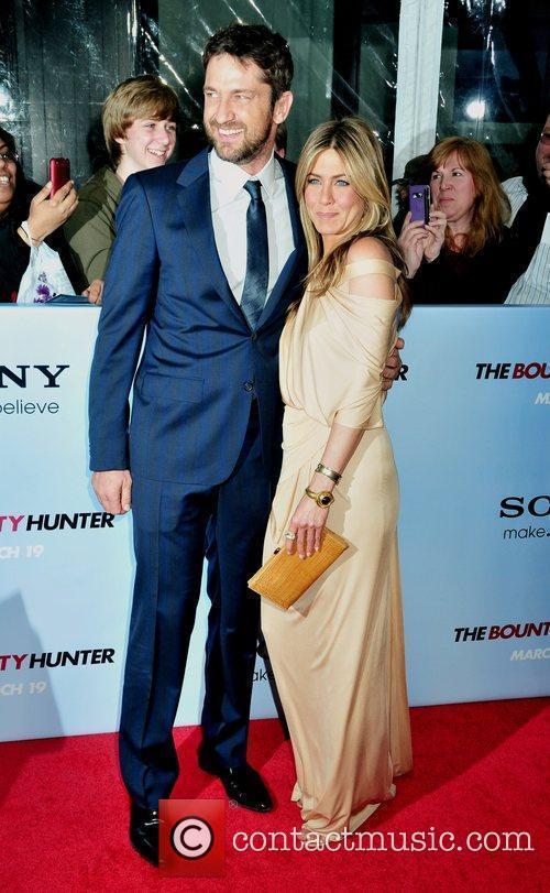 Gerard Butler and Jennifer Aniston 22