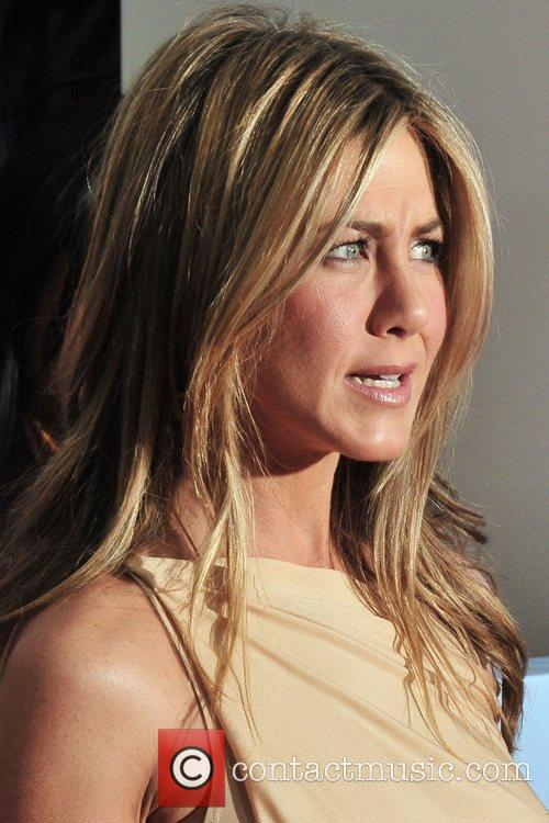Jennifer Aniston 28
