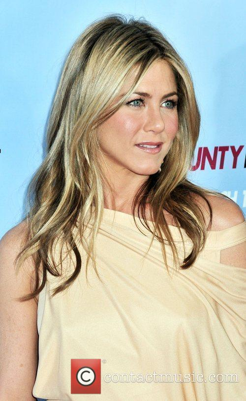Jennifer Aniston 29