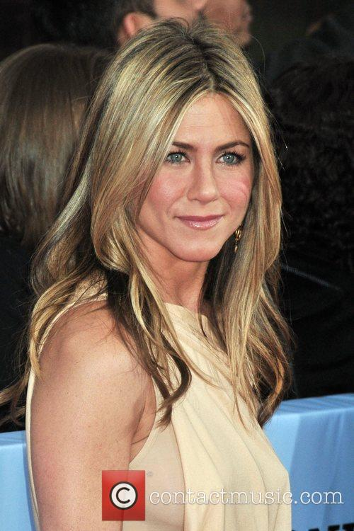 Jennifer Aniston 27