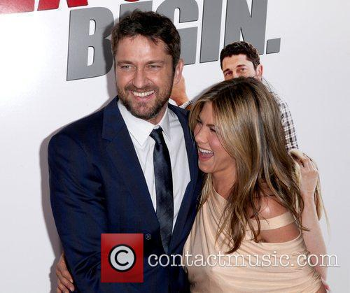 Gerard Butler and Jennifer Aniston 6