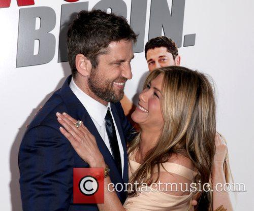 Gerard Butler and Jennifer Aniston 9