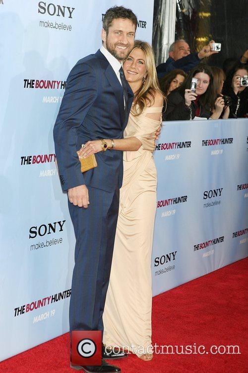 Gerard Butler and Jennifer Aniston 13