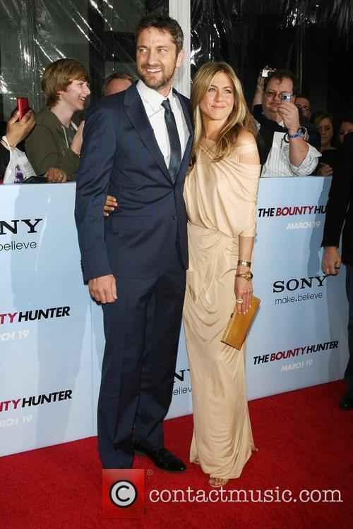 Gerard Butler and Jennifer Aniston 14