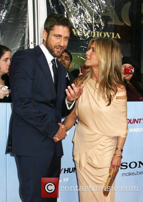 Gerard Butler and Jennifer Aniston 19