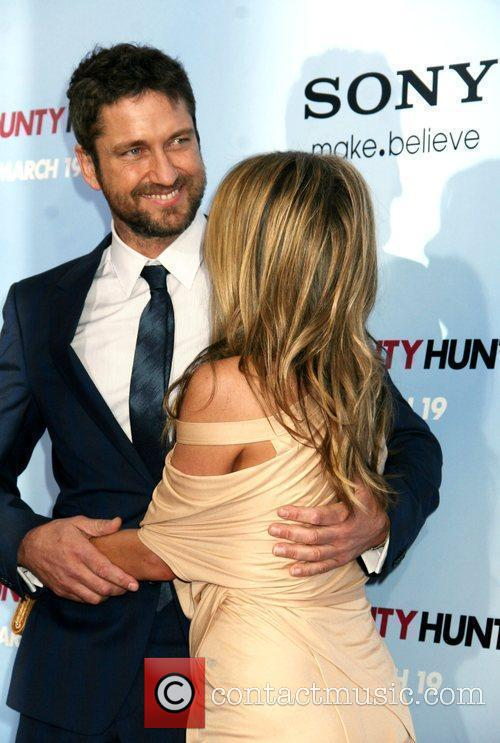 Gerard Butler and Jennifer Aniston 17