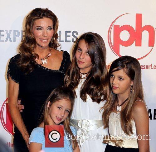 Jennifer Flavin With Her Daughters Scarlet 1